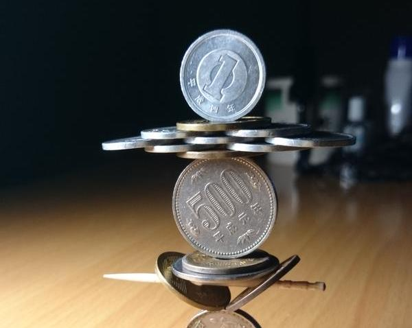 These gravity-defying coin towers have left us in awe 【Video】