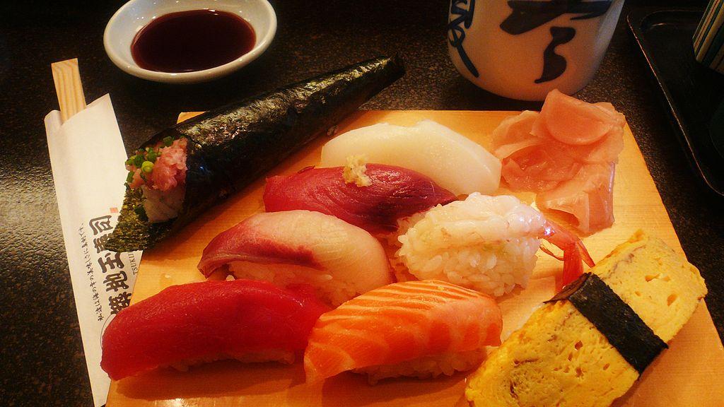 1024px-2007feb-sushi-odaiba-manytypes