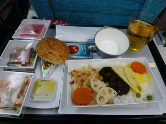 Turkish Airlines serves okonomiyaki as an in-flight meal, or do they…?