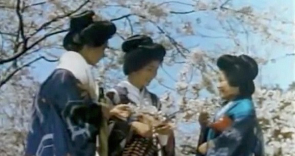 Timeless beauty: Color video of 1930s Kyoto shows how women of the day got their hair done
