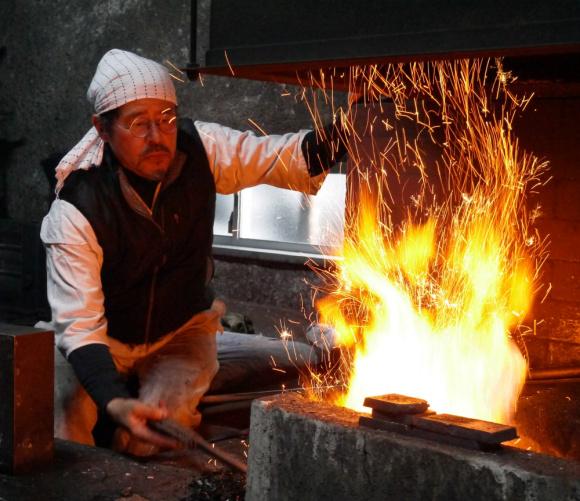 What's so special about Japanese swords? We interview master katana maker Norihiro Miyairi!