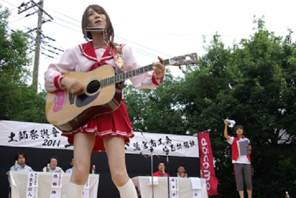 """Upcoming male """"female cosplay"""" event draws attention online and our interest"""