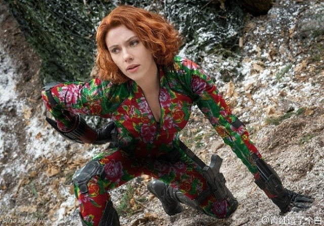 Get a look at the Avengers with a floral Chinese twist!