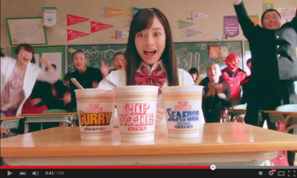 "Kanna Hashimoto does ""stupid-cool"" tricks for commercial, took over 600 takes to get right 【Video】"