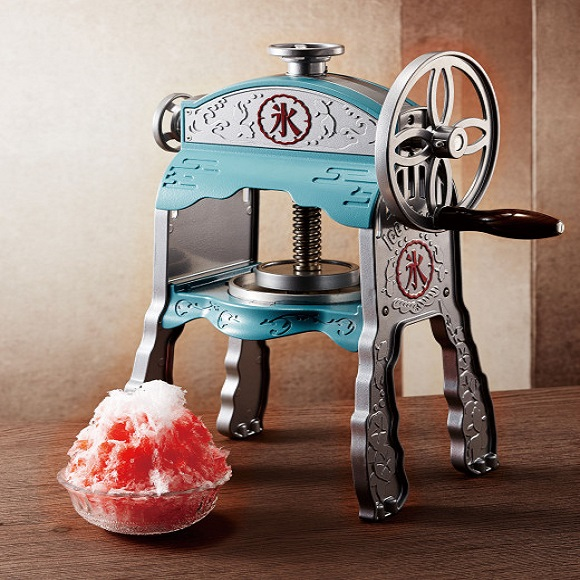 Summer is coming! Stay cool with this retro-style shaved-ice maker!