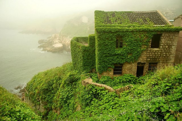 Abandoned Chinese fishing village gets a natural facelift and it's awesome 【Photos】