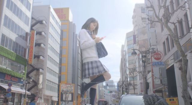 Gigantic girls take over your favourite Tokyo tourist spots 【Videos】