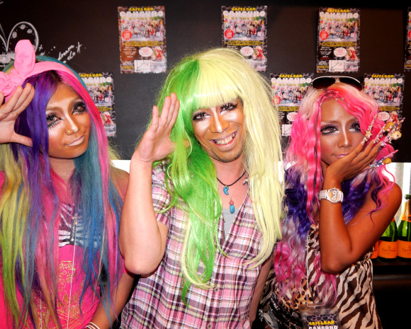 Mr. Sato went to Ganguro Cafe and discovered his beautiful inner gyaru 【Pics】