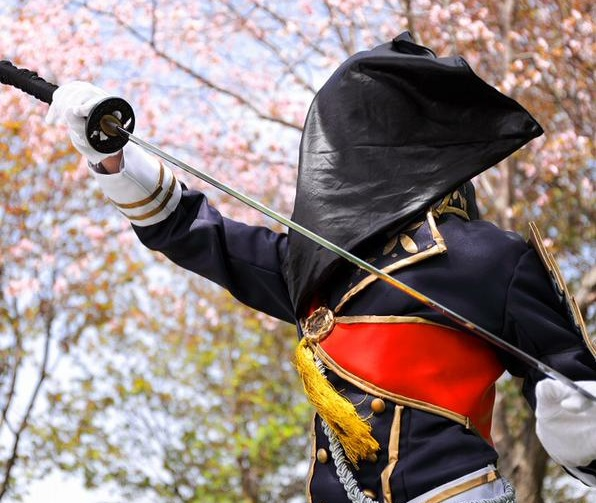Touken Ranbu cosplayers reveal the real-life embarrassments of their glamorous costumes