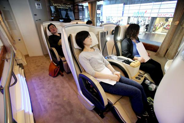 New Japanese luxury bus tour seats only 10 passengers, tickets cost over US$1,200 each