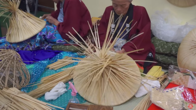 Vlogger walks us through a traditional Japanese handicraft fair 【Video】