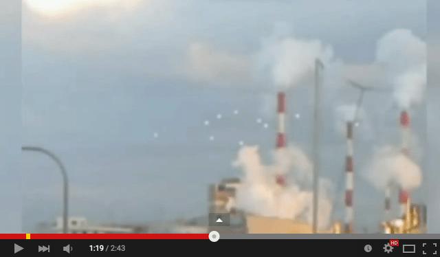Video of 10 white globes floating in Osaka sky leaves net users wondering worldwide【Video】