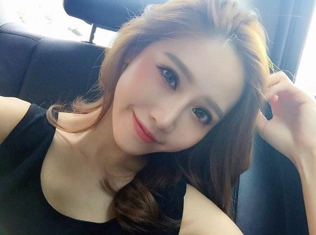 Japanese Netizens go crazy (again) for this gorgeous Taiwanese woman