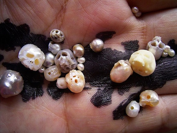 Japanese jewellery artist carves teeny little skulls out of pearls, plus other creepy creations