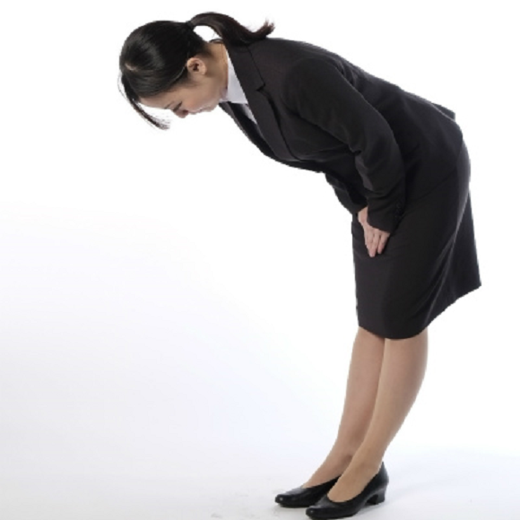 Rules of tea, business cards, and bowing – 10 Japanese business manners young people are tired of
