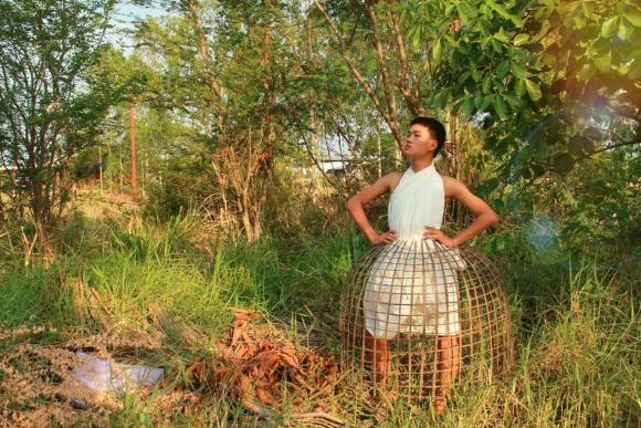 Thai teen wows the internet with his gorgeous, economical garments【Photos】