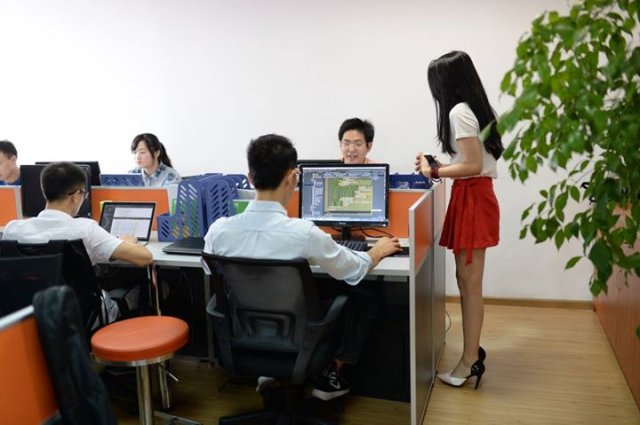"Young and pretty ""programming cheerleaders"" aim to boost male programmers' productivity in China"