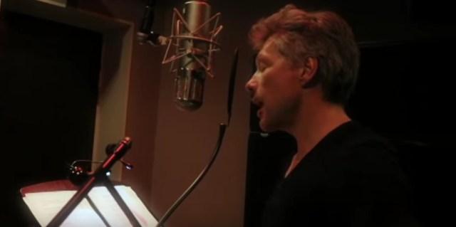 Jon Bon Jovi singing in Chinese is surreal 【Video】