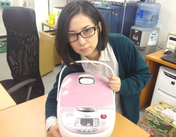 Are Japanese rice cookers really better than Chinese ones? We test it out and get some surprises