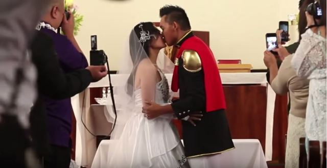 Couple weds in a dreamy, Final Fantasy-themed wedding ceremony【Video】