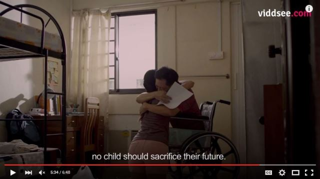 Ready for a dose of feels? Grab the tissues because this daughter's love is beautiful【Video】