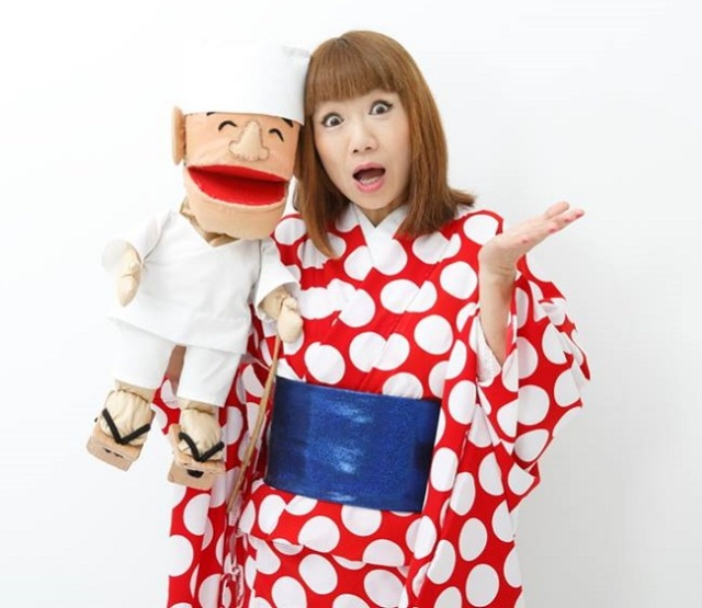 Japanese entertainer getting laughs and friends overseas with hilarious English performances