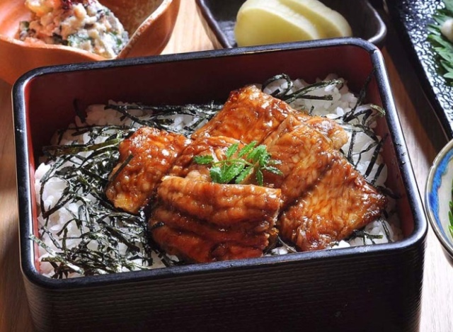Eel-flavored catfish available for tasting at Gifu festival