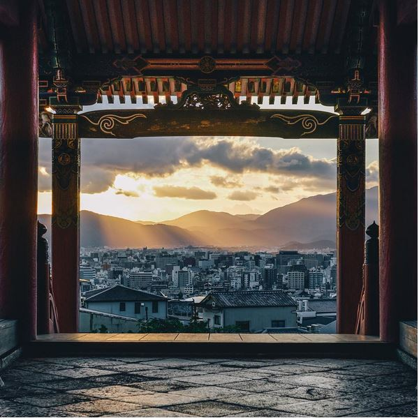 Photographer captures serene moments in Japan's traditional and modern worlds 【Photos】