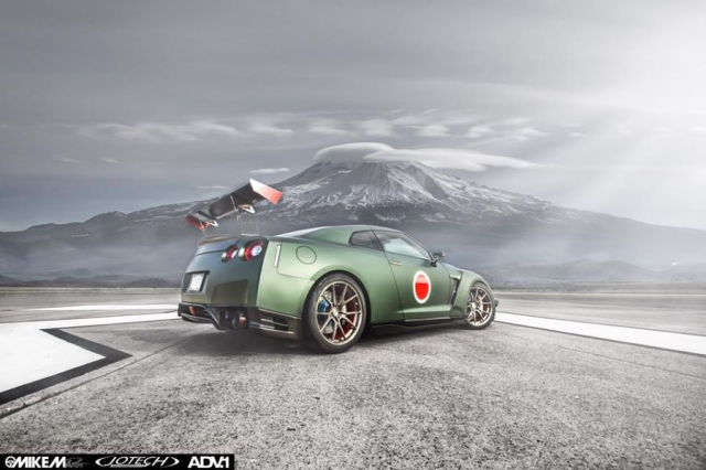 Sports car or fighter plane? American tuner's Nissan GT-R looks like World War II's Zero