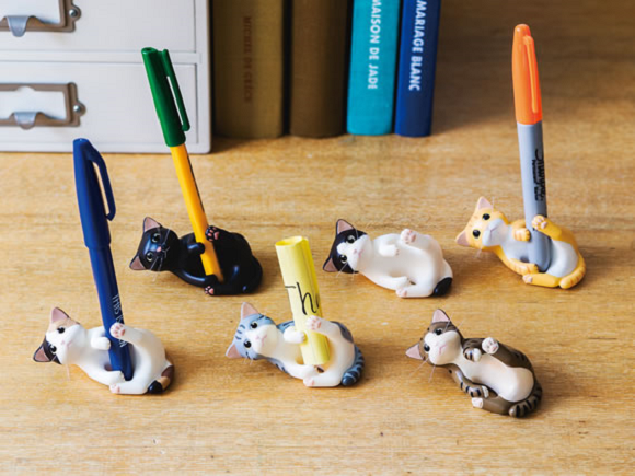 Cat got your pen? It will with these adorable kitty-shaped stationery holders