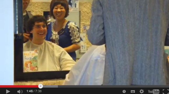 Exchange student goes to Japanese salon for the first time, comes out totally transformed!【Video】