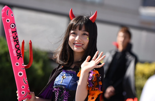 """Once-in-a-millenium beauty"" dominates Tokyo Halloween event"