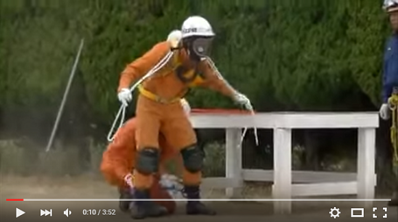 Japanese firefighters show off the awesome ninja skills we never realized they had 【Video】