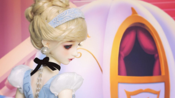 Extremely rare Cinderella Dollfie sells at auction for over $10,000