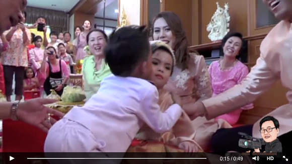 Thai family throws extravagant wedding for their three-year-old twins【Video】