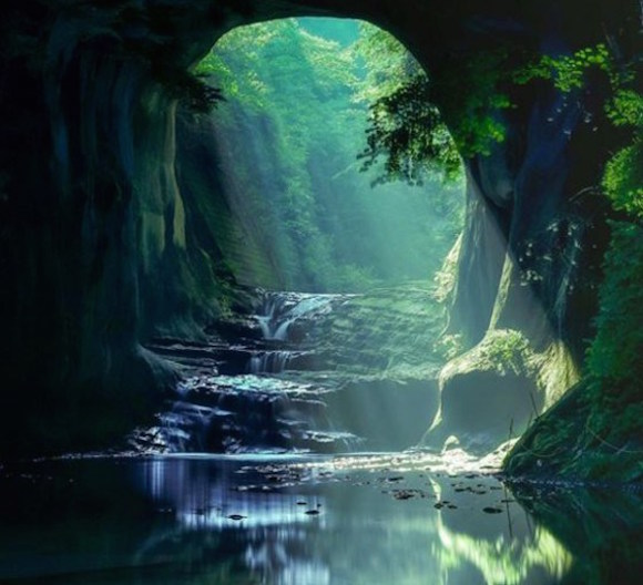 We track down the stunning Ghibli-like waterfall made famous online — just outside Tokyo!【Pics】