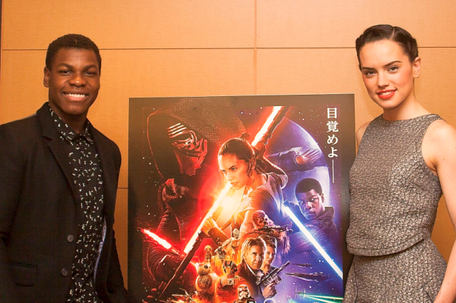 We talk with actors Daisy Ridley and John Boyega about The Force Awakens (and manga) 【Interview】