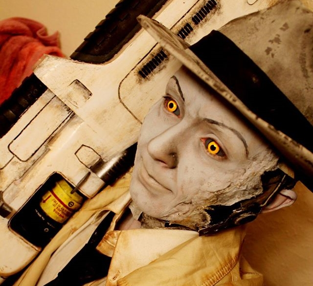Cosplayer brings Fallout 4's Nick Valentine to life in all his run-down glory【Video】