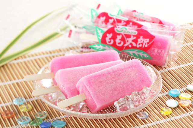 Peach Boy frozen snacks are strawberry flavored… with real apple juice