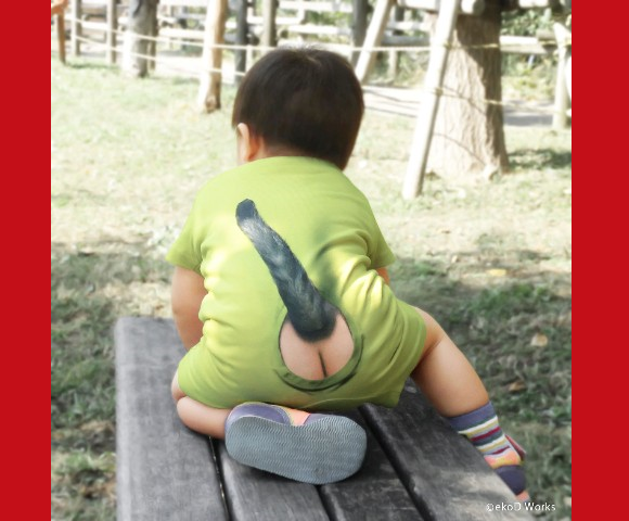 Trick art Japanese romper suits simulate a cute kitty tail and airy backside for your baby