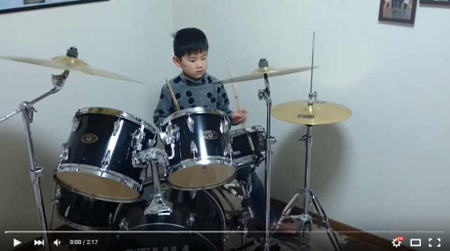 Blind drummer boy will blow your mind and touch your heart【Video】