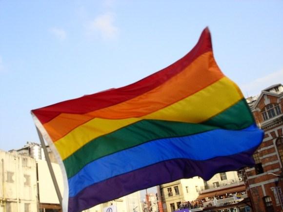 Flyingrainbowflag