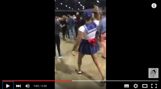 Man strips down to Sailor Moon cosplay outfit to disrupt Donald Trump political rally 【Video】