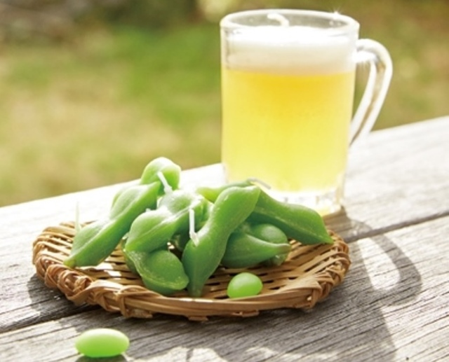Just looking at these beautiful edamame and beer candles will make you hungry and thirsty!