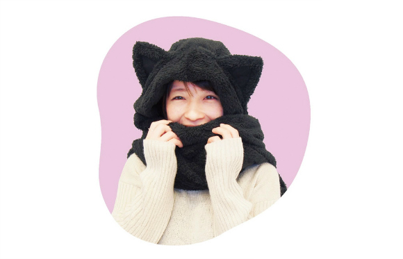 Fluffy feline scarf keeps you warm in more ways than one