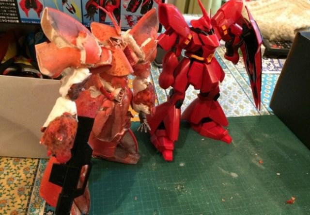 Crustacean Suit Gundam: man builds MSN-04 Sazabi out of a lobster's shell