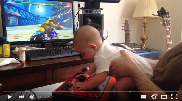 Video shows that Street Fighter V's story mode is so easy even a baby can beat it 【Video】