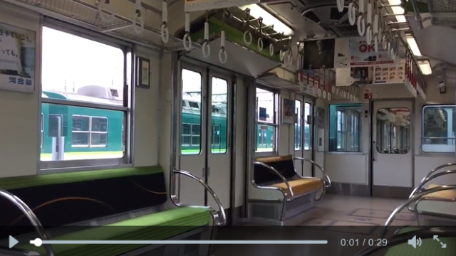 Can you guess where this amazing Japanese commuter train is hiding some extra seats? 【Video】