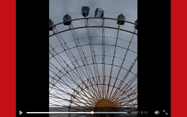 Strong winds in Japan turn giant Ferris wheel's gondolas into spinning terror chambers 【Video】