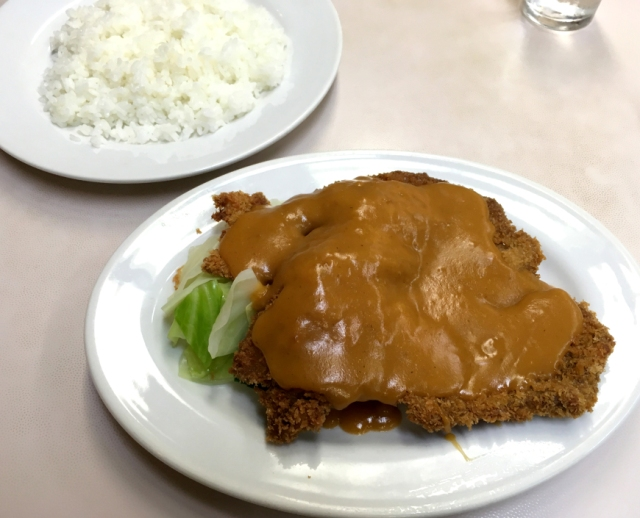 Cheapo News: We find a place in Hiroshima serving tonkatsu pork cutlets for just 350 yen